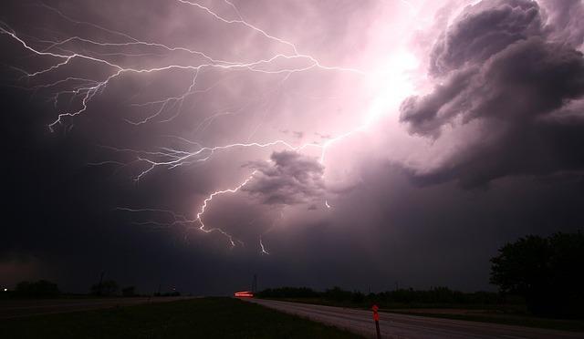 Uneven-Thunderous loving Emotions
