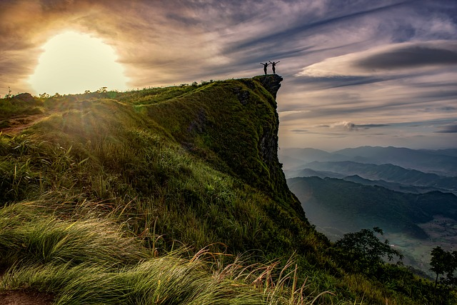 woman-on-the-hilltop